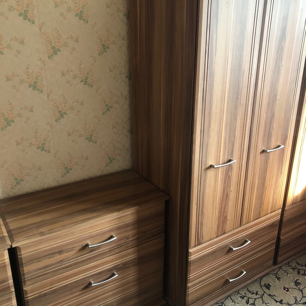 Wardrobe and drawers set
