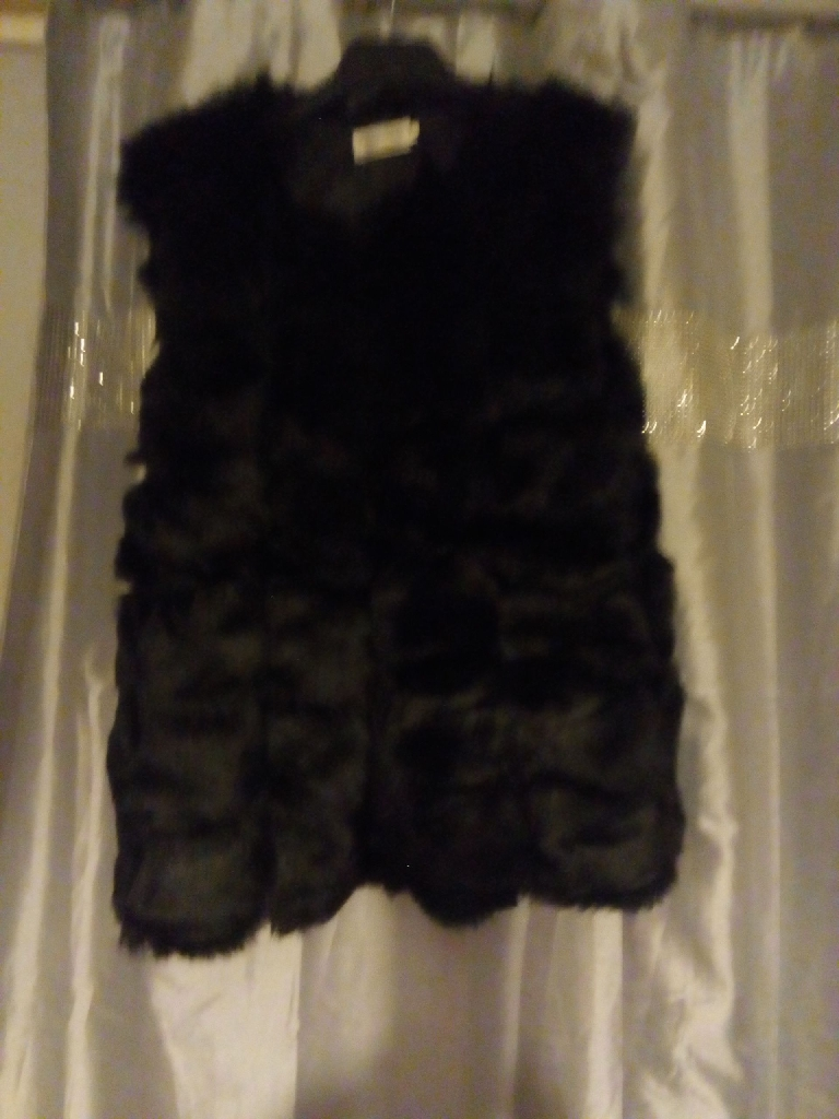 Faux fur waistcoat new 14-16