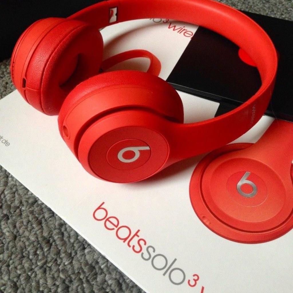 Beats wireless solo 3s