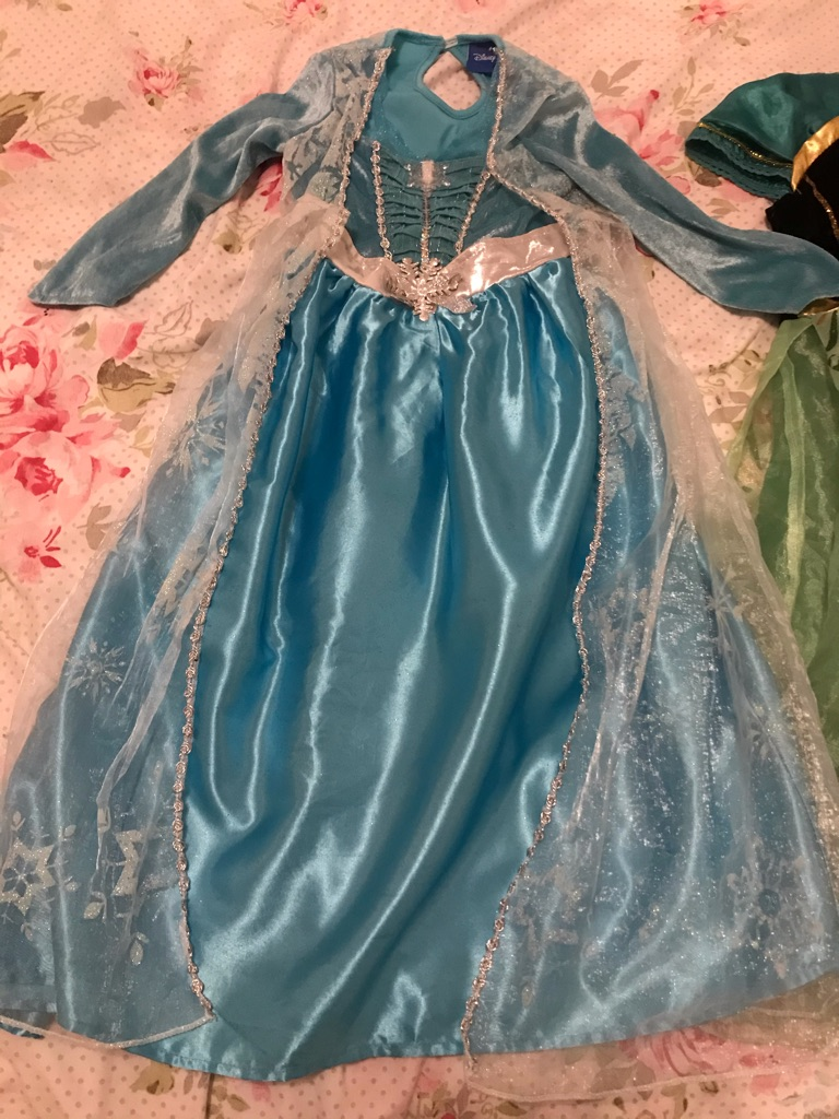 Frozen bundle dresses and musical wand some damage at bottom see pics x