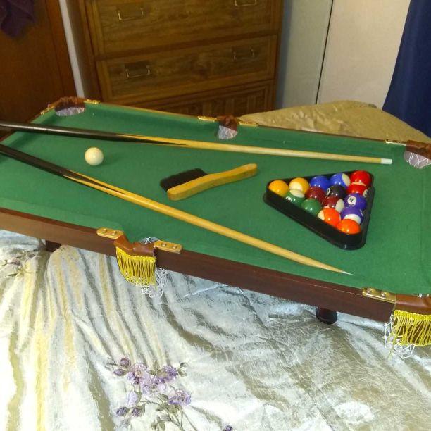 Miniture pocket pool table