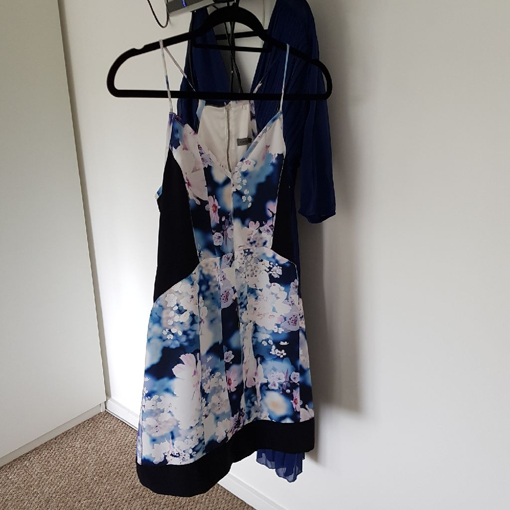 Size small Calvin Klein dress