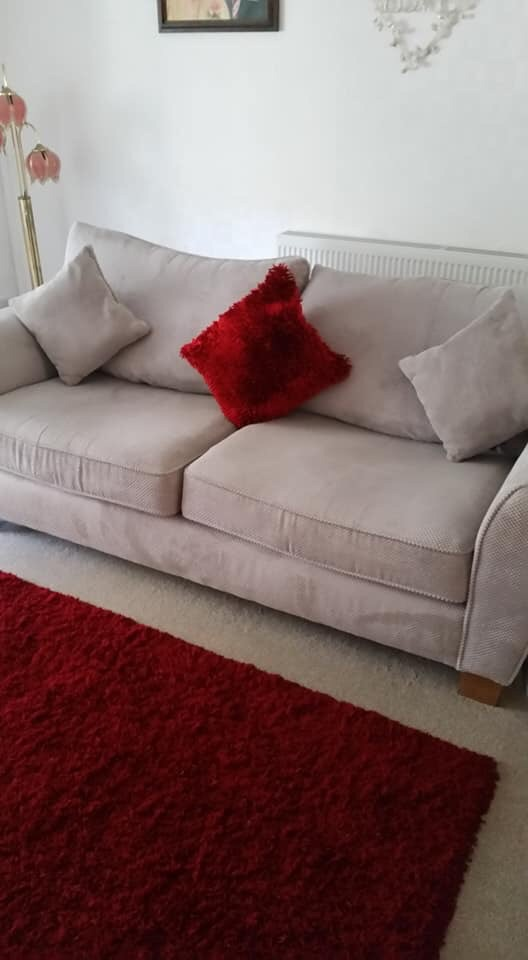 2 seater and a 3 seater settee swap