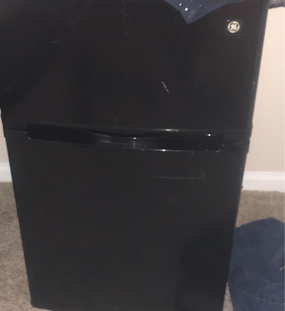 GE mini fridge freezer combo