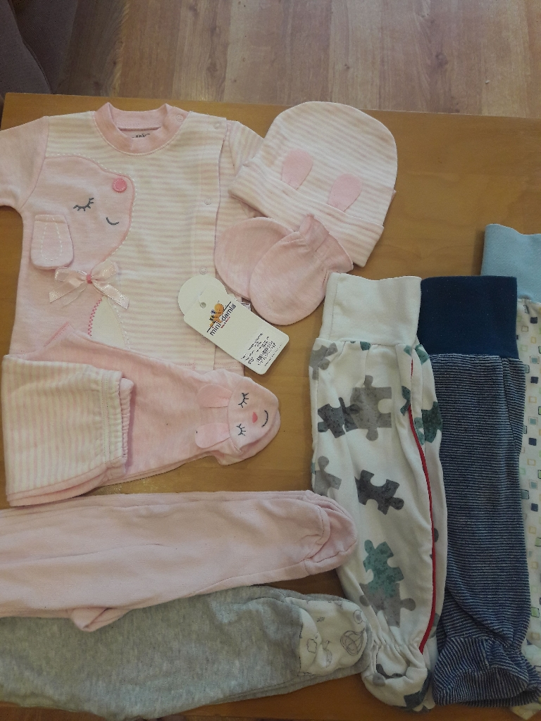 Baby's clothes 0-6 month some new
