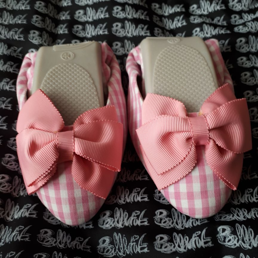 Size 40 (7) pink gingham fold up shoes
