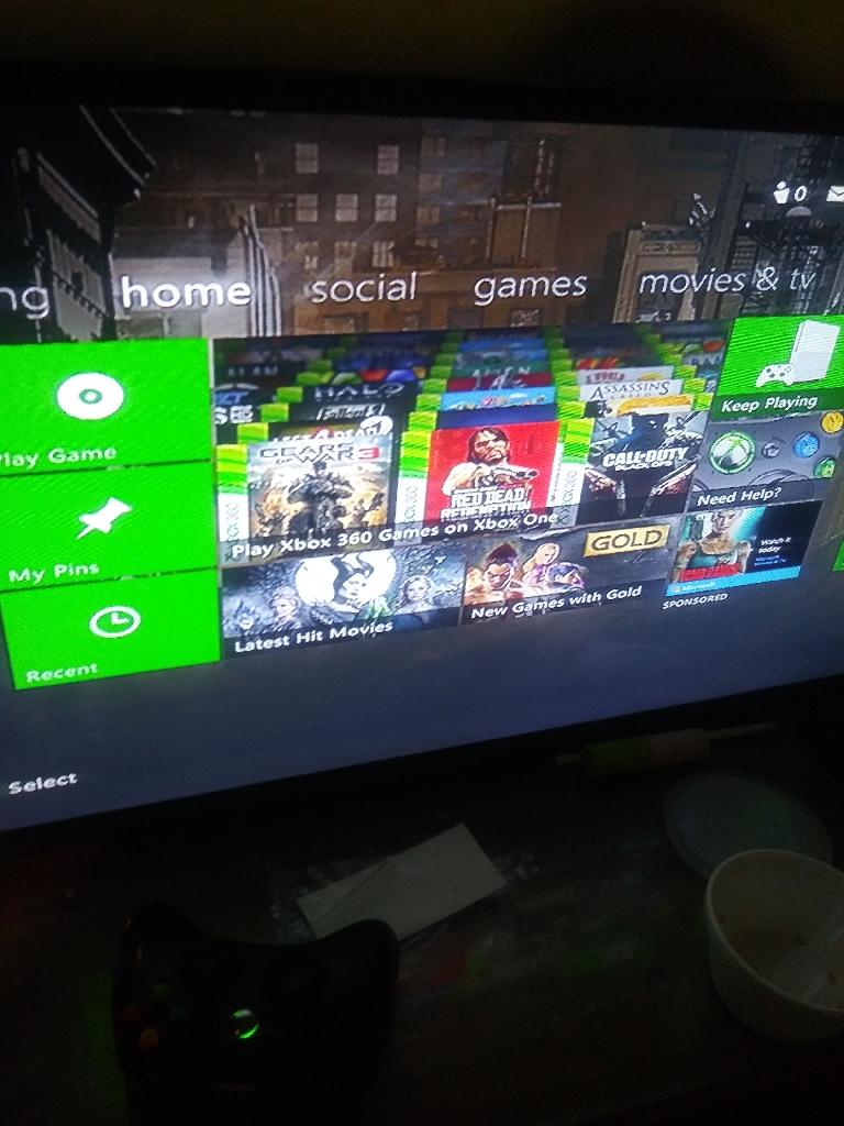 Xbox 360 w/ Black Ops 2