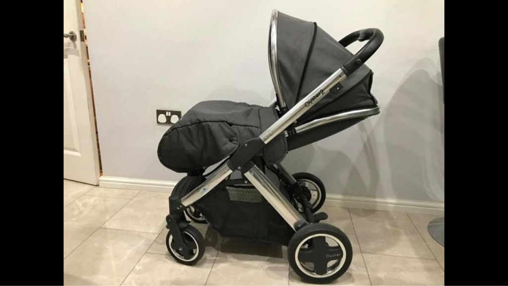 Oyster 2 mirror pushchair chassis and car seat