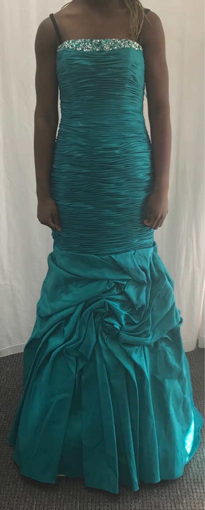 Brand New Prom Dress Size 6-10 (adjustable)