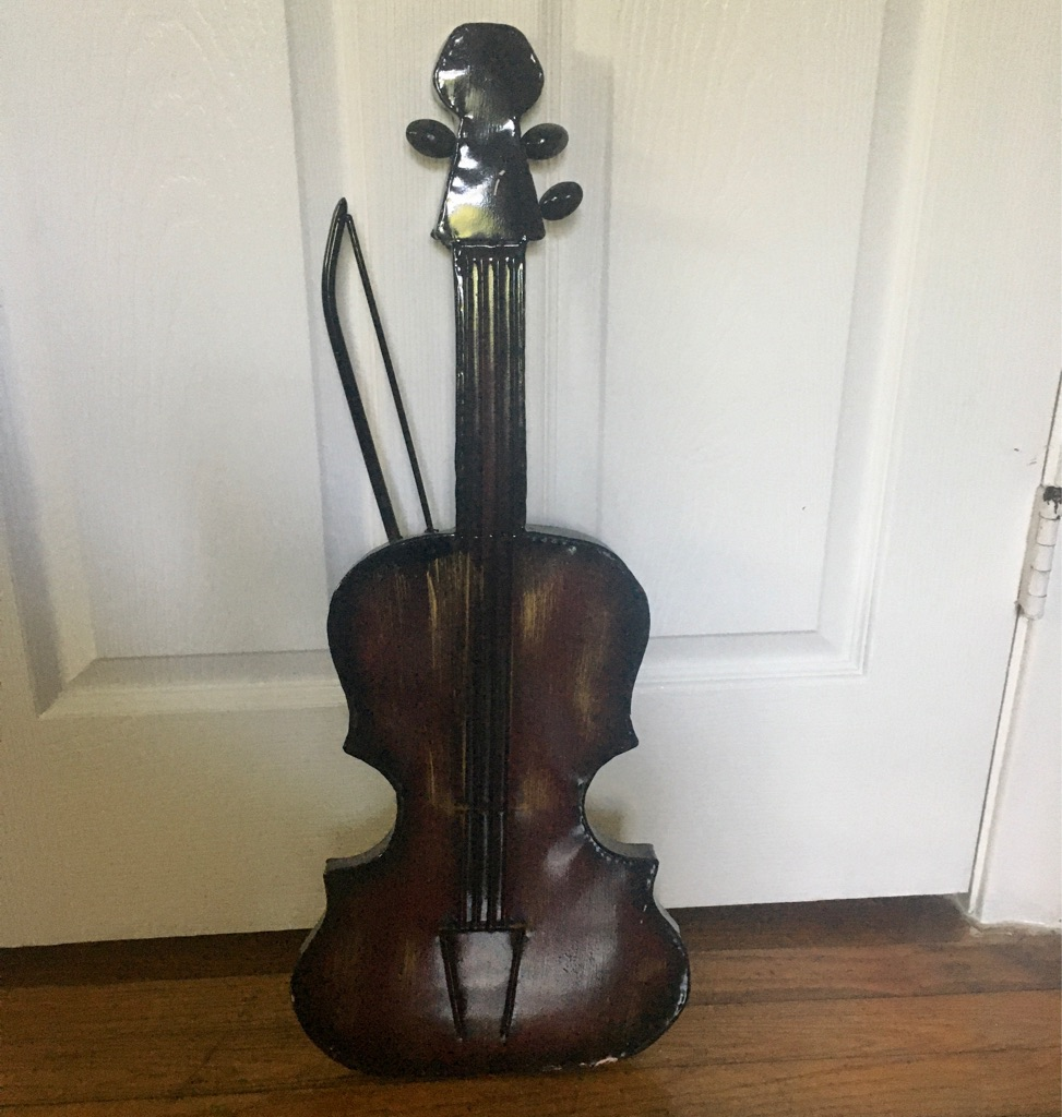 Metal Violin Decoration