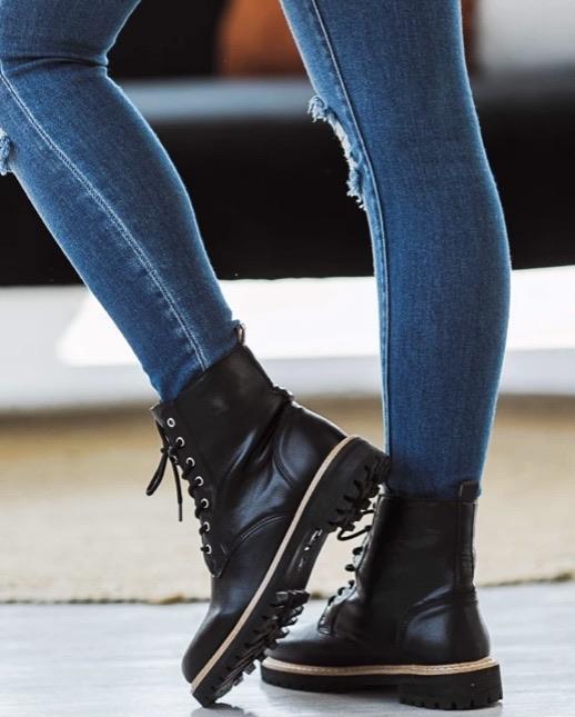 Ladies boots 20% off using my code below ⬇️