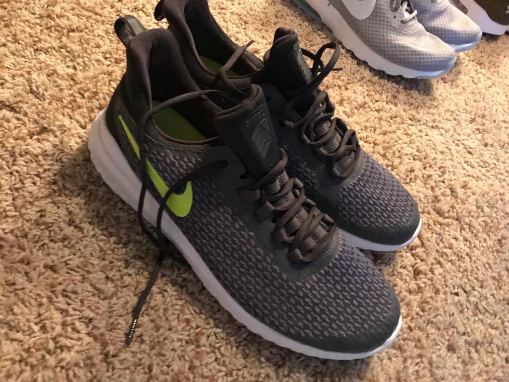 Nike running shoes sz11