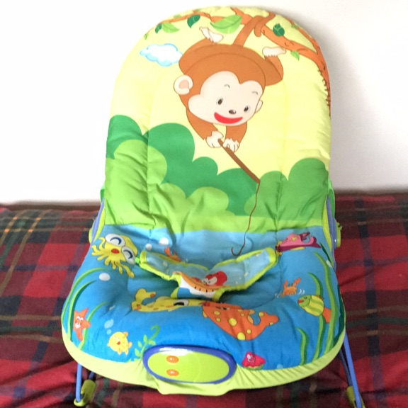 Baby bouncer chair with toy bar