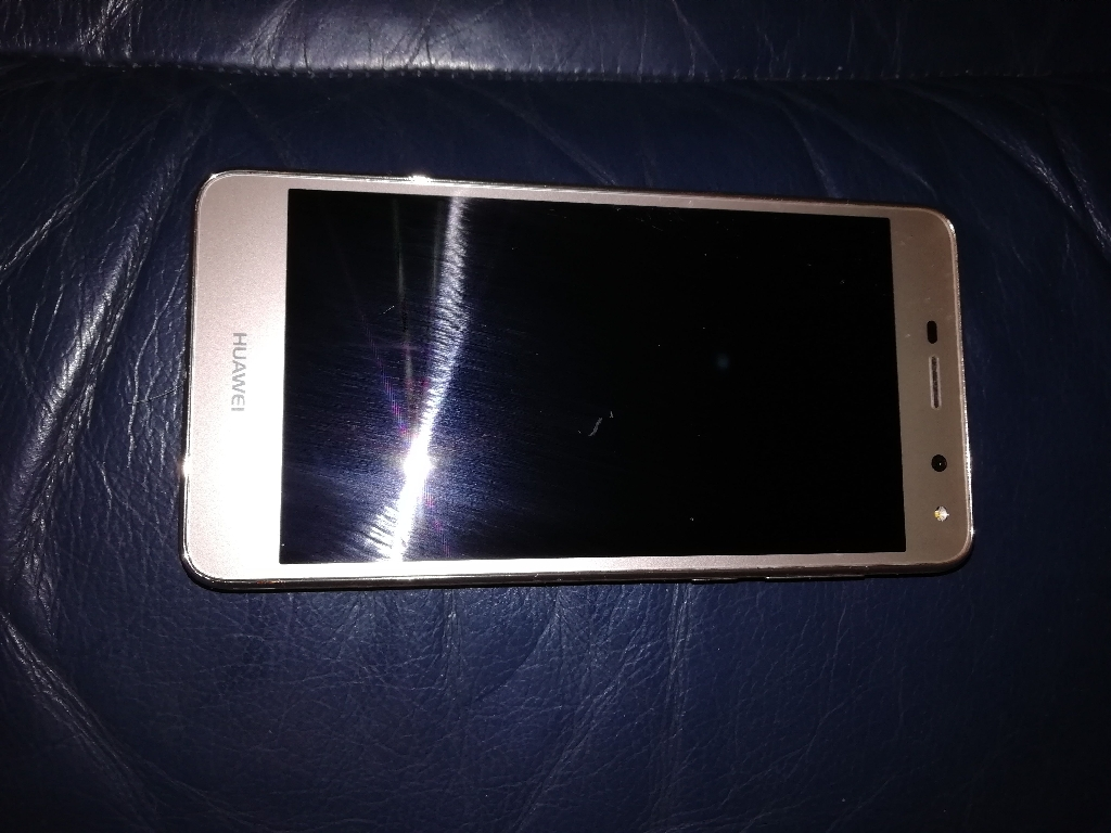 Huawei phone for sale no box comes with charger