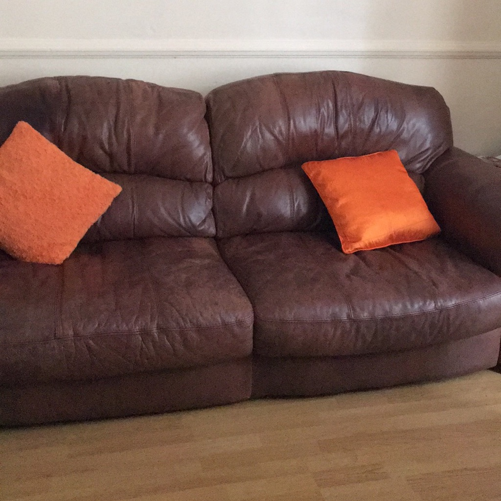 Free brown leather 3+2 settee and foot stool
