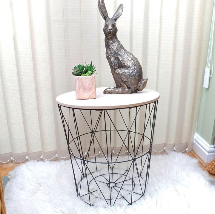 Ellabree Home Black Geometric Wire Circular Table