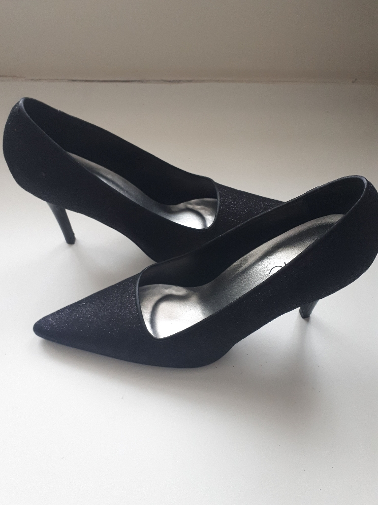 Brand New Black Glittery Stilletos Size 5