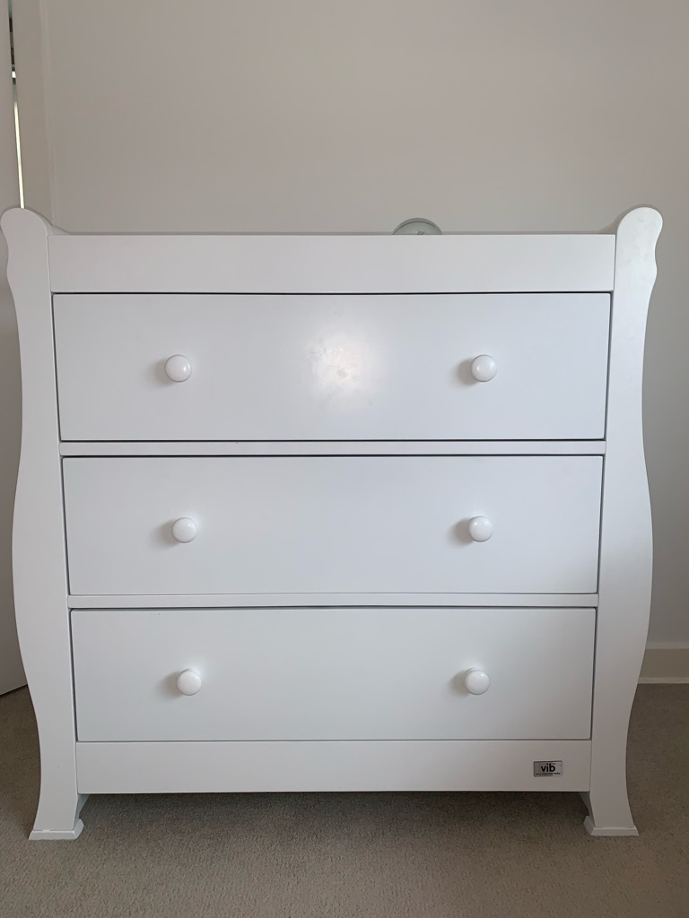 V.I.B chest of drawers