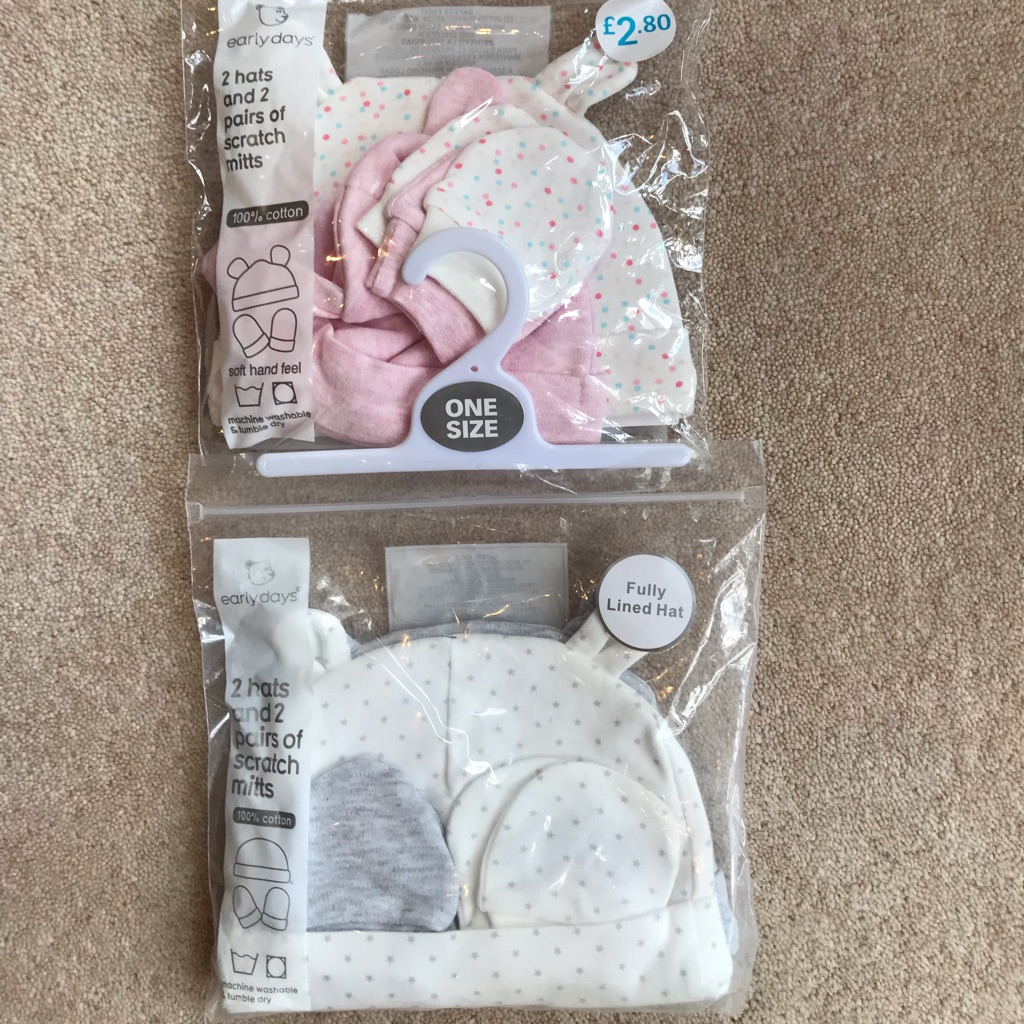 0-3months hats and scratch mittens (brand new)