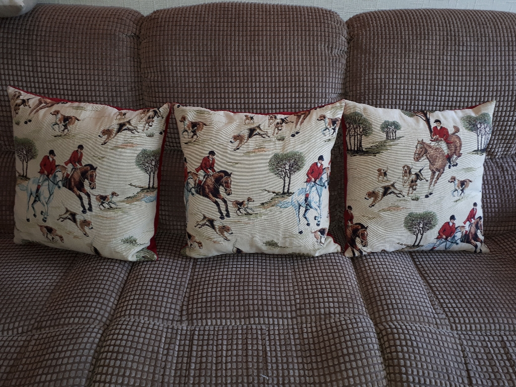 Luxury hunting cushions