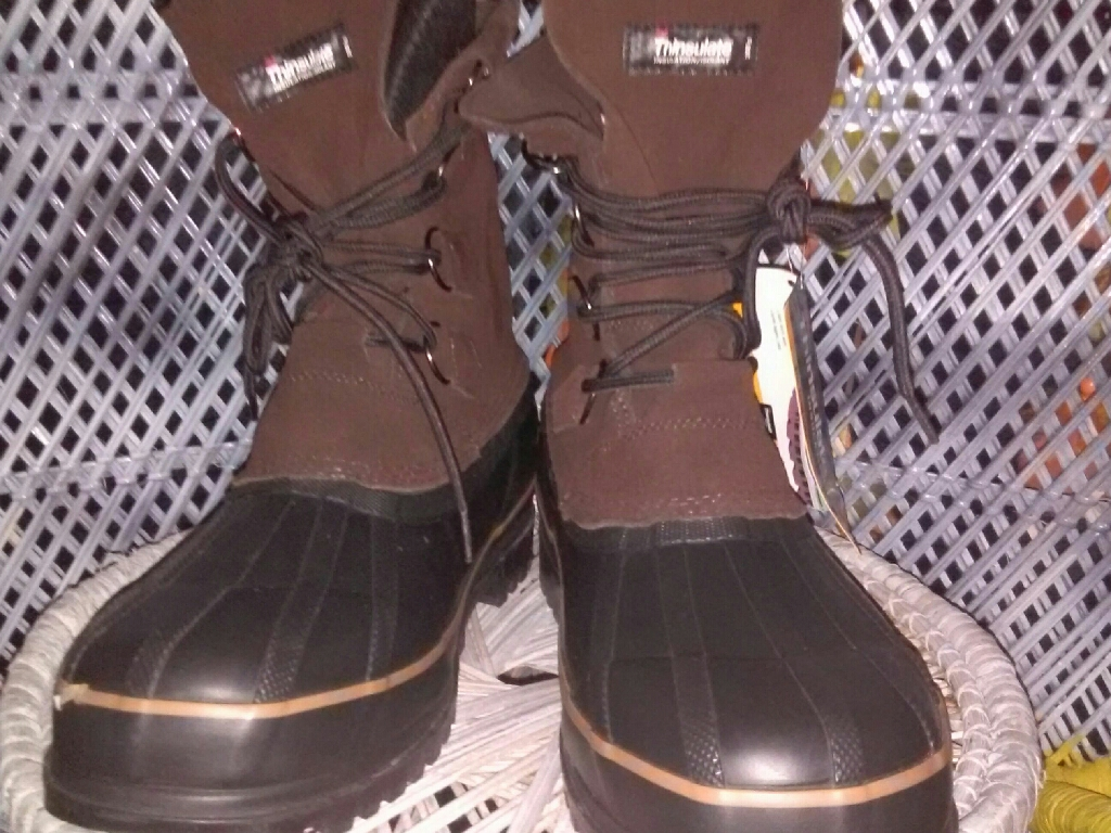 Brand new 3M thinsulated winter boots for men