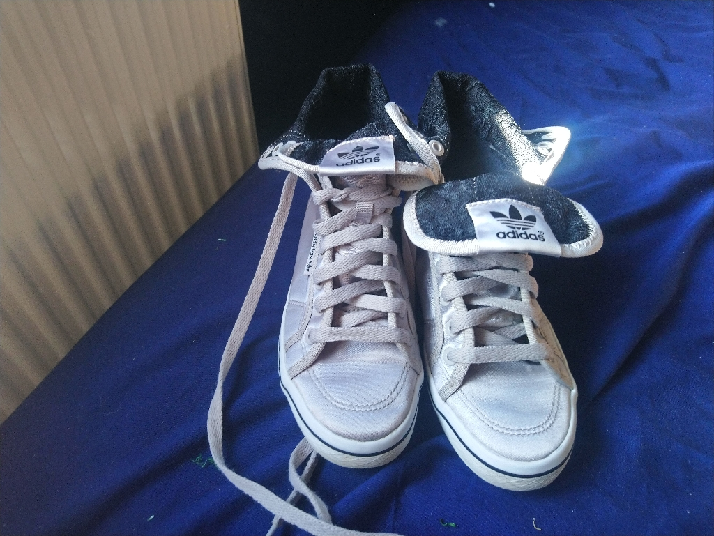 Ladies addidas silver trainers size 4