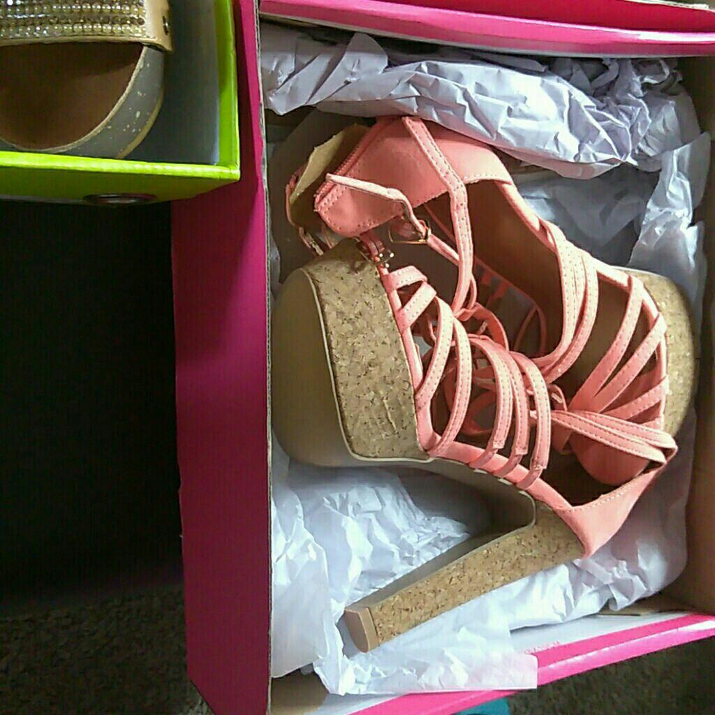 Pump high heels brand new size 6