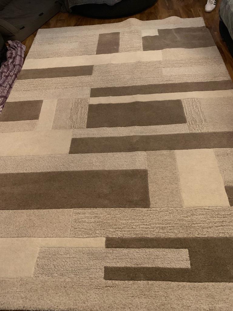 Blanche wool rug