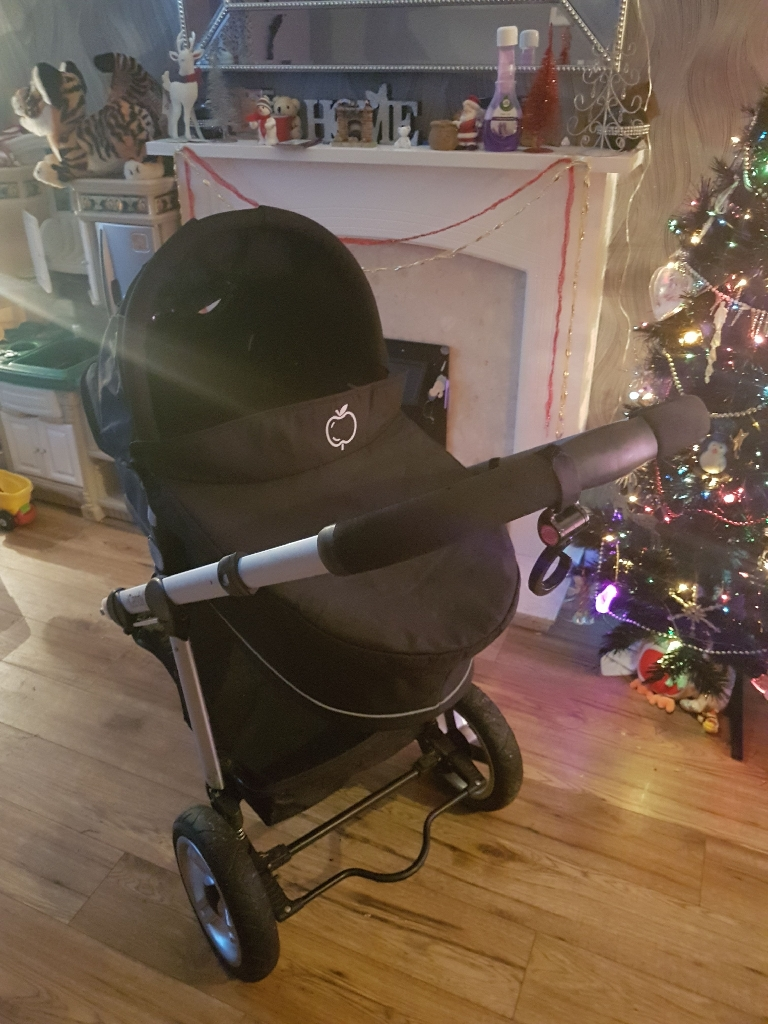 I Candy apple pram and push chair