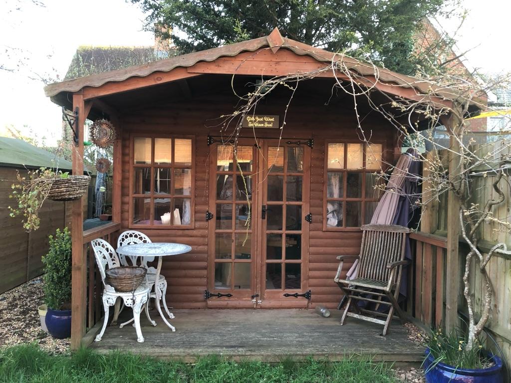Log cabin/summerhouse