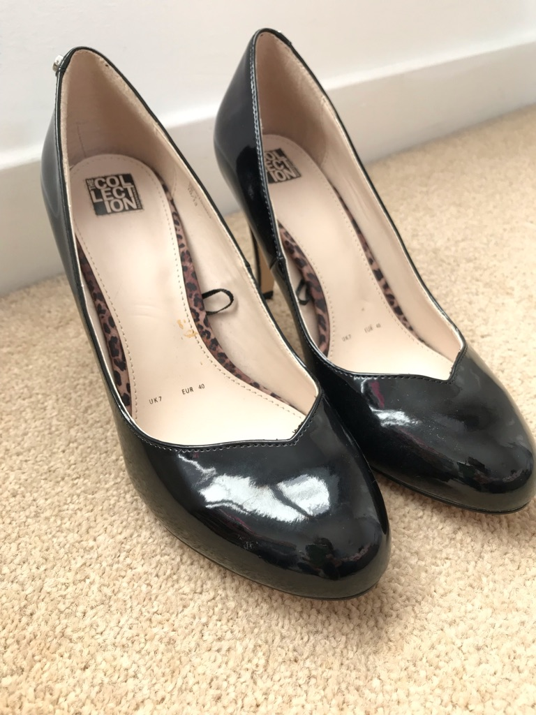 Size 7 Black Court Heels