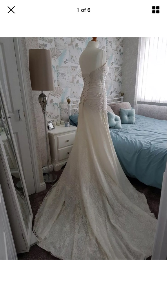 Beautiful Nicola Anne wedding dress