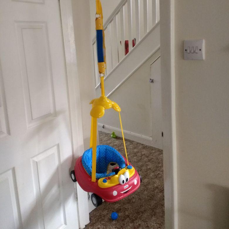 Door jumper, bounce