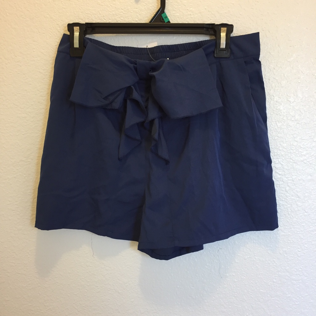 Navy loose Fit Shorts with pockets and bow