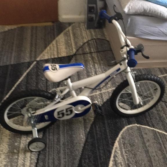 """Children's Bike 16"""" Great Condition"""