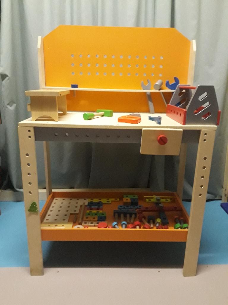 Kids toy workbench