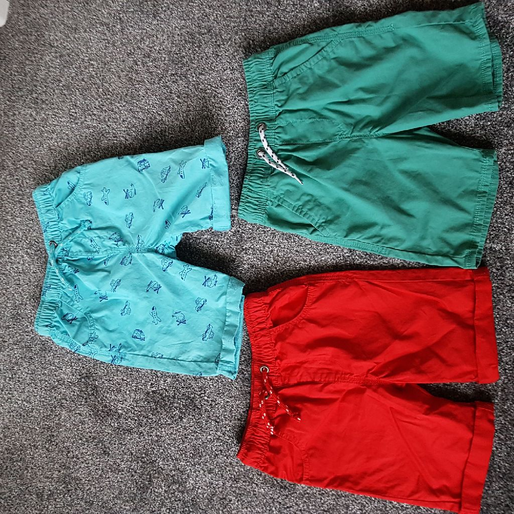 Boys shorts aged 4 to 5 Years