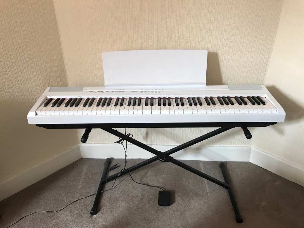 Yamaha P-105 88 note keyboard in excellent condition