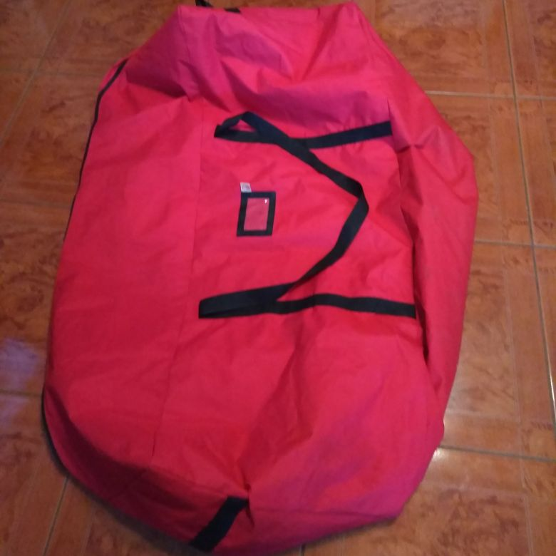 Very large zip up carrying bag