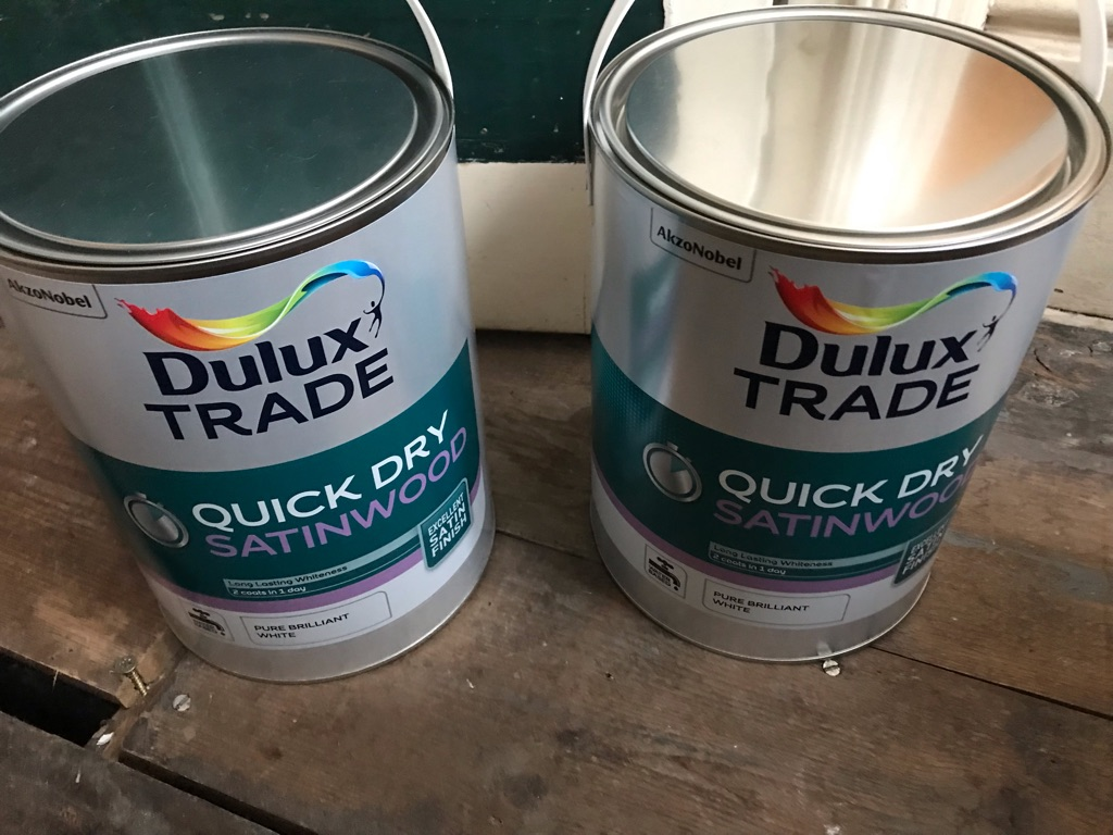 Dulux Trade Quick Dry Sayinwood