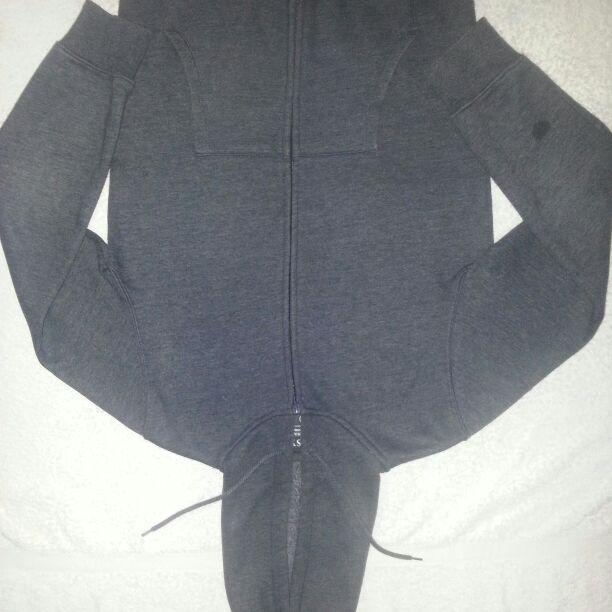 Small mans dark grey hoodie