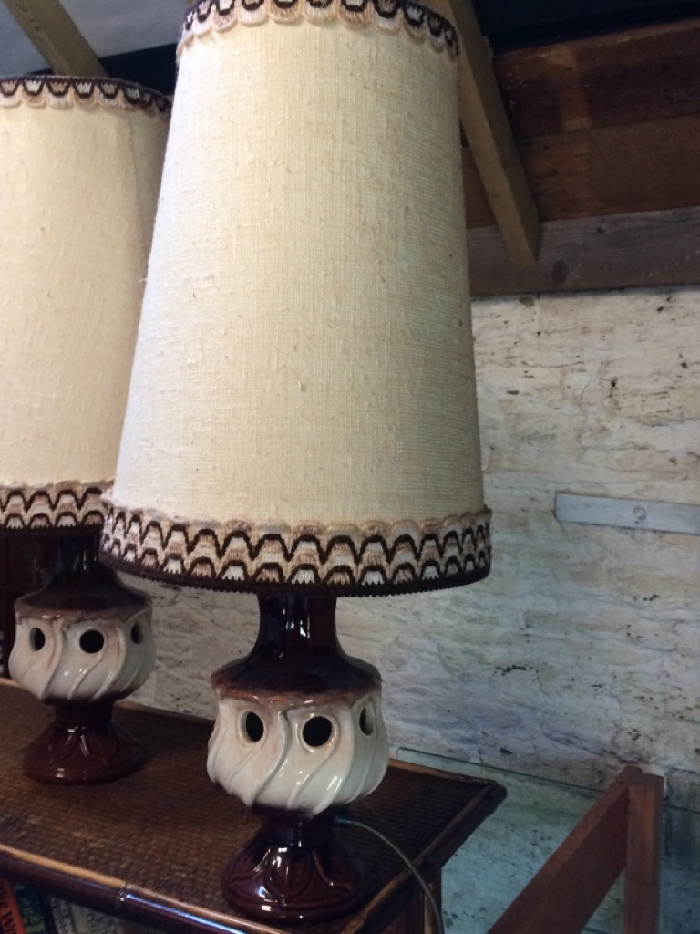 VINTAGE PAIR OF 1970s POTTERY LAMP BASES WITH MEXICAN HAT SHADES