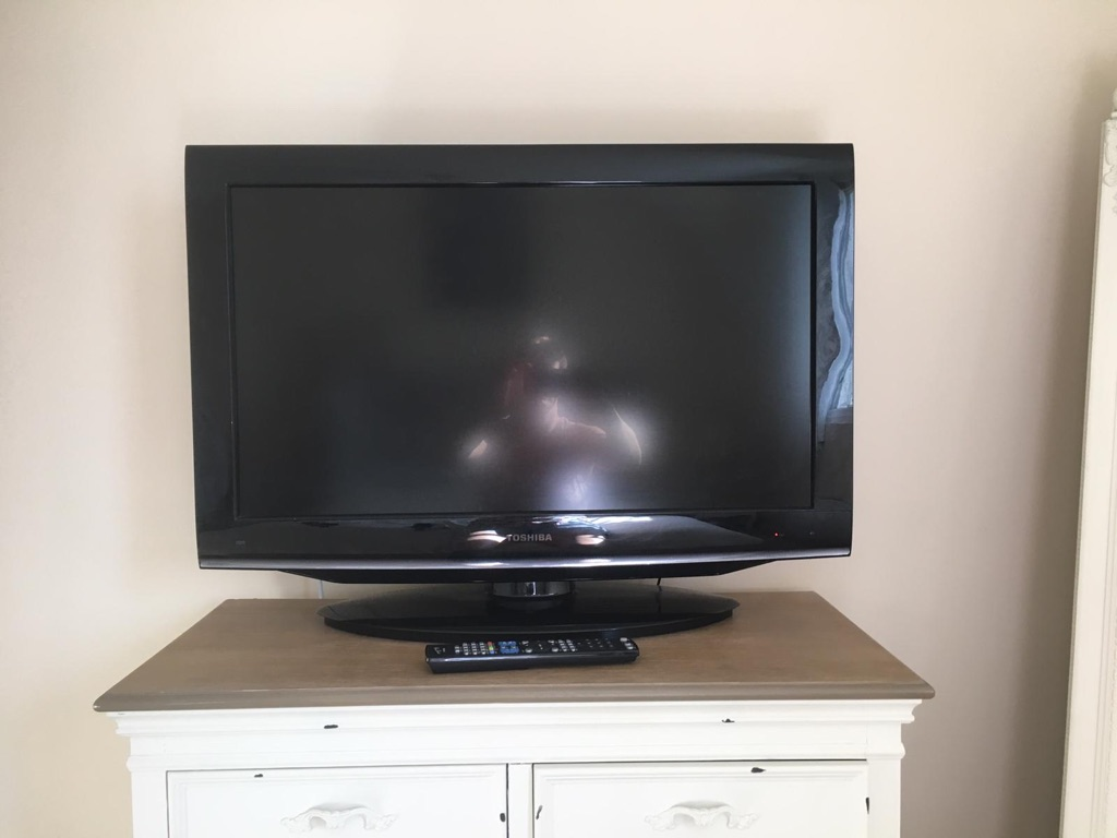 "32 "" toshiba DVD/TV"