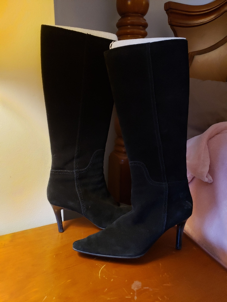 Chaps suede boots