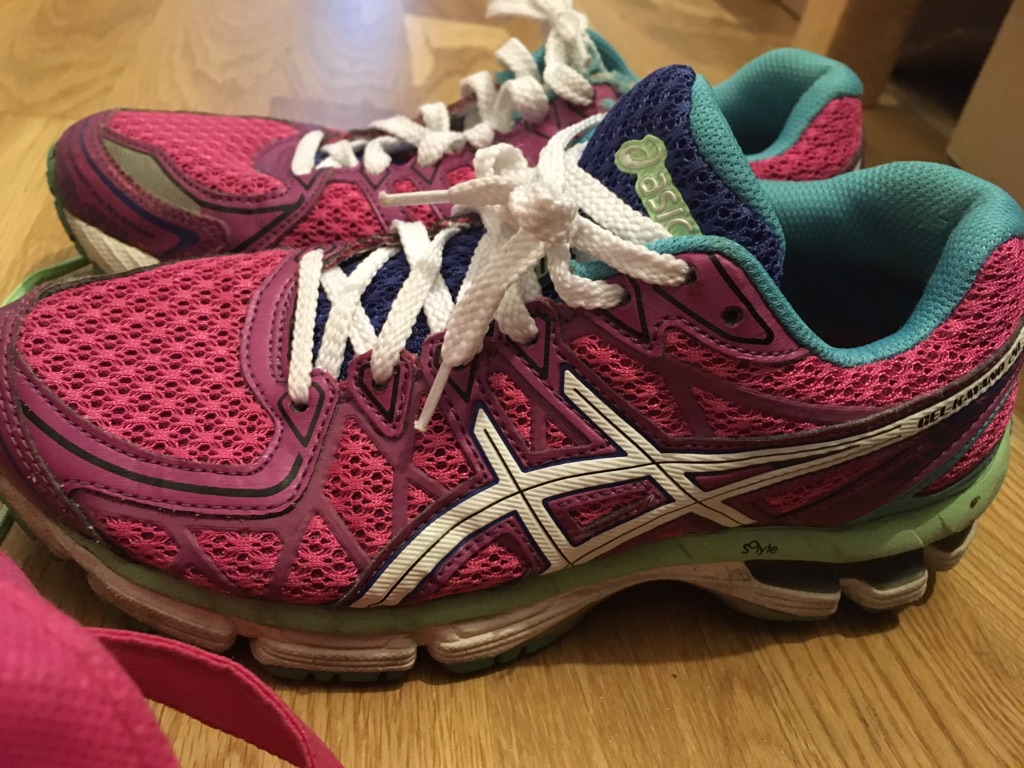 Selling ASICS good condition shoes! Eu 37.5