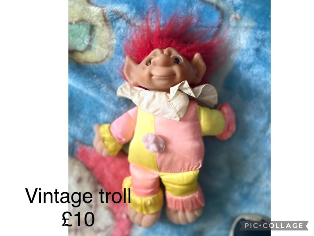 Vintage troll