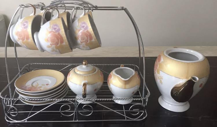 Brand New 16 Piece white floral Tea coffee Set