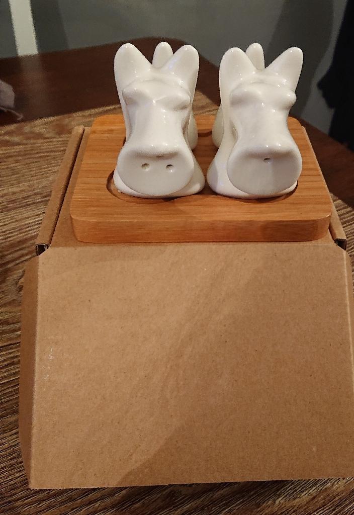 Scotty Dog Cruet Set For Sale