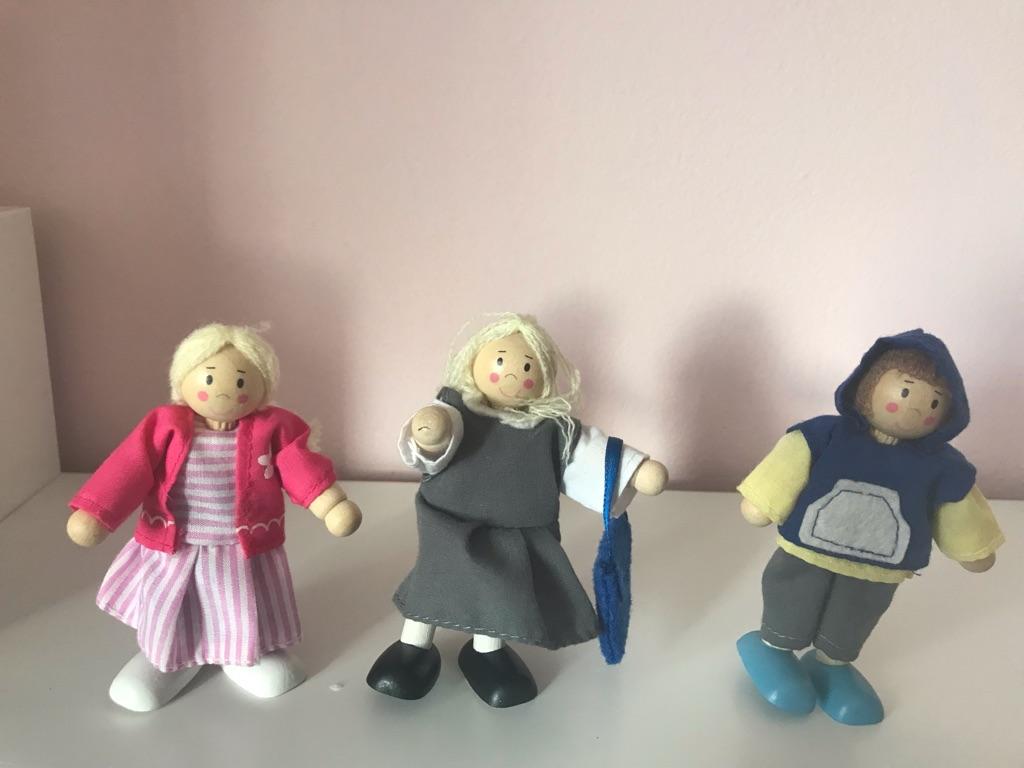 Rosebud family- wooden dolls