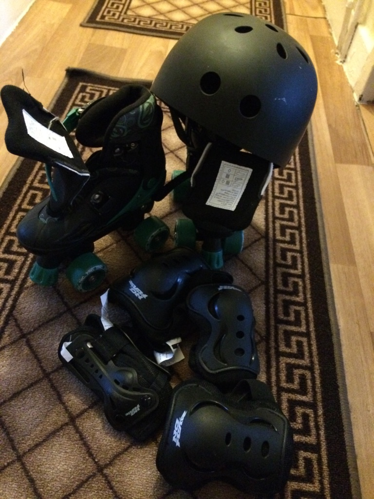 Skating boots and accessories